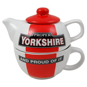 Proper Yorkshire Teapot and Mug Set